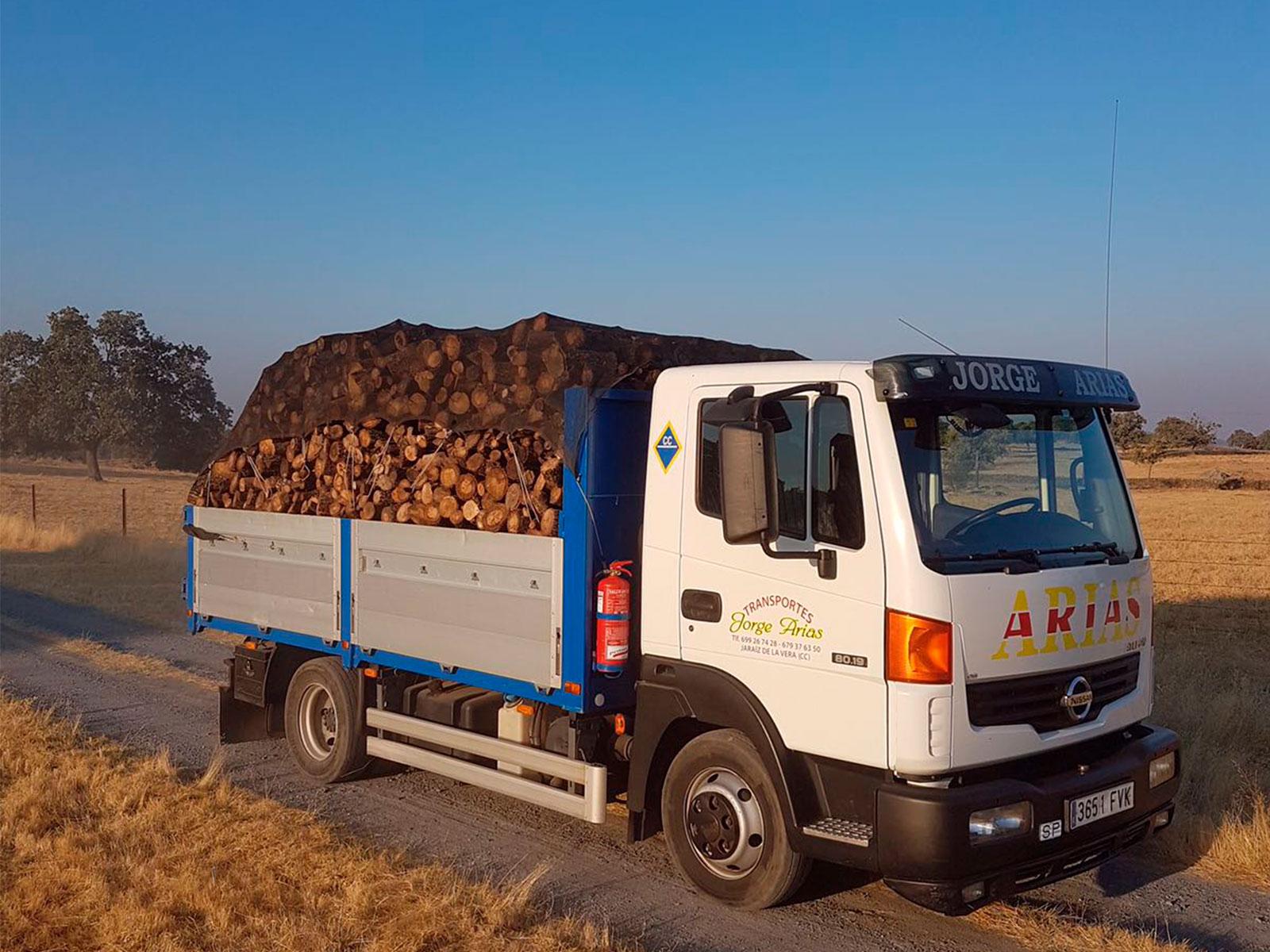 transporte de leña arso